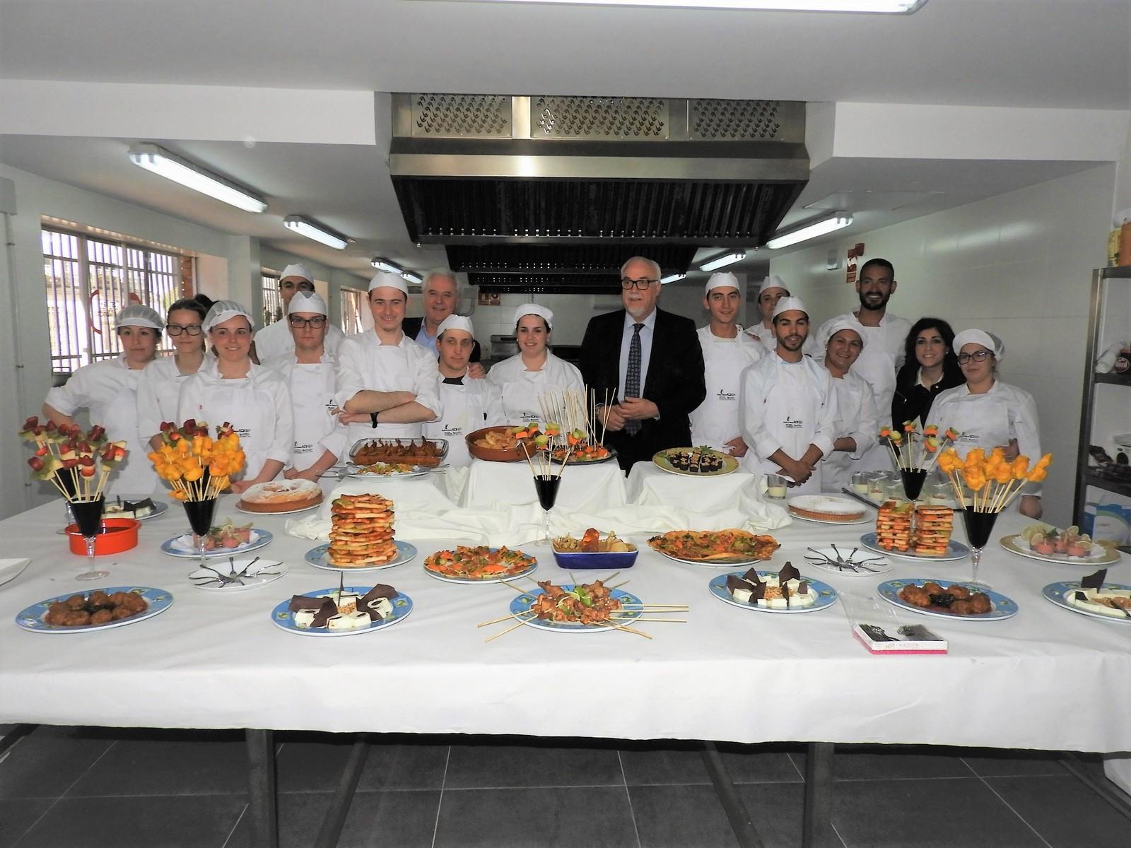 Quince j venes desempleados menores de treinta a os se forman en el curso ayudante de cocina - Curso de ayudante de cocina ...