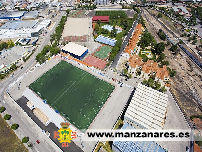 El ayuntamiento acomete obras de reforma en el - Polideportivo manzanares el real ...