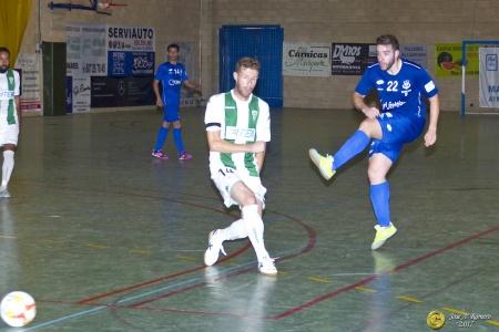 Kiki II, con el número 22, en el partido ante el Córdoba. Foto: José A. Romero