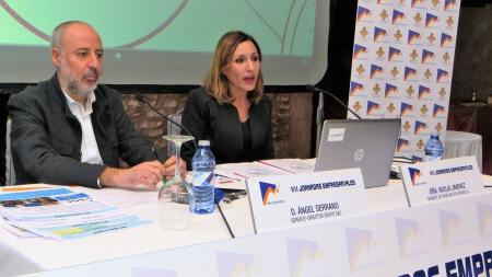 Ángel Serrano y Noelia Jiménez durante su ponencia