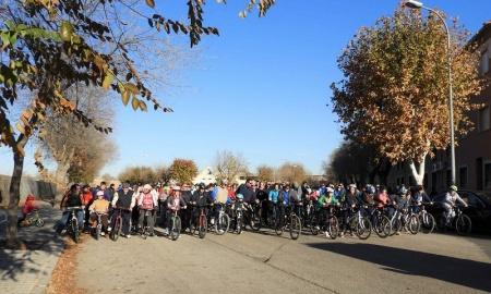 Salida de la carrera no competitiva de los adultos en la Fiesta de la Bicicleta