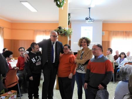 NIeva y Labián durante la visita al Cadi