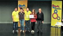Entrega del primer premio en la modalidad ciencia y tecnología