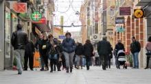 Zona comercial de la calle Empedrada en Navidad