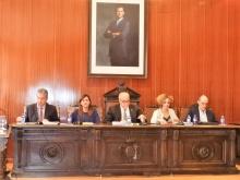 Julián Nieva presidiendo la sesión