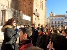 La técnico de Turismo ha sido la encargada de explicar a los escolares el origen de Manzanares