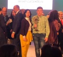 Diego Guijarro junto a la directora del centro