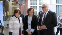 El alcalde junto a la gerente de R.Peinado Scania y a la consejera