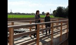 Beatriz Labián e Isabel Díaz-Benito, visitan el Molino Grande y su entorno