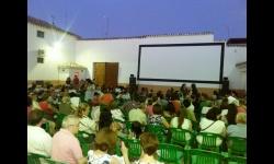 Vista del cine de verano antes de una proyección
