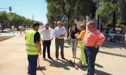 El alcalde, Julián Nieva realiza una visita para comprobar el estado de las obras en varias zonas de Manzanares