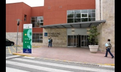 Entrada de consultas externas del Hospital Virgen de Altagracia
