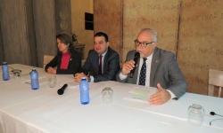 Intervención de Julián Nieva en la inauguración de la jornada junto al consejero de Agricultura y la representante de WWF