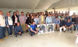 Foto conjunta de las plantillas del BM Manzanares con Peco y Alises