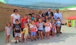 Foto conjunta con personas beneficiarias del programa