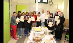 Las participantes recibieron sus diplomas