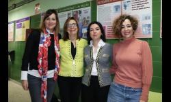 Concejalas con la directora del IES Azuer