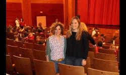 Beatriz Labián y Ángeles Morales -del Centro de la Mujer- antes de la función de títeres