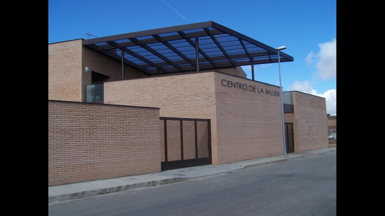 Exterior del Centro de la Mujer de Manzanares
