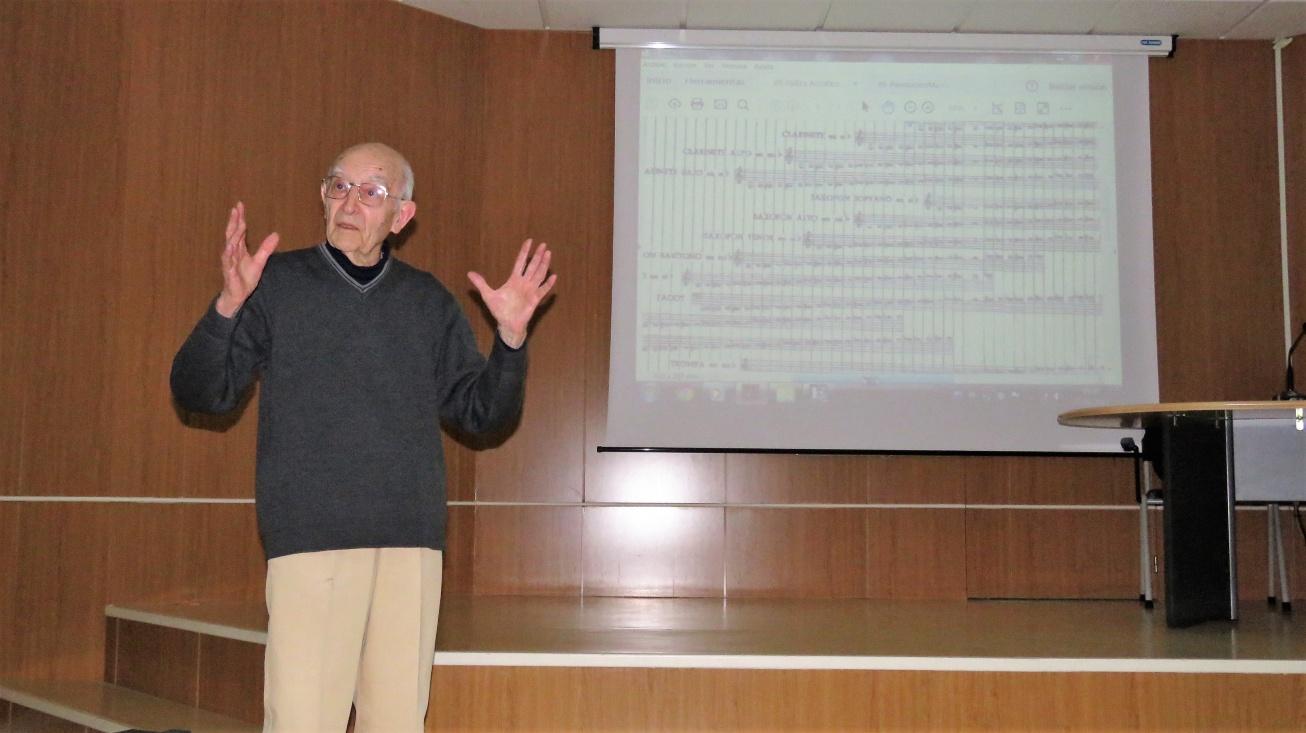 Jerónimo Lozano durante la conferencia