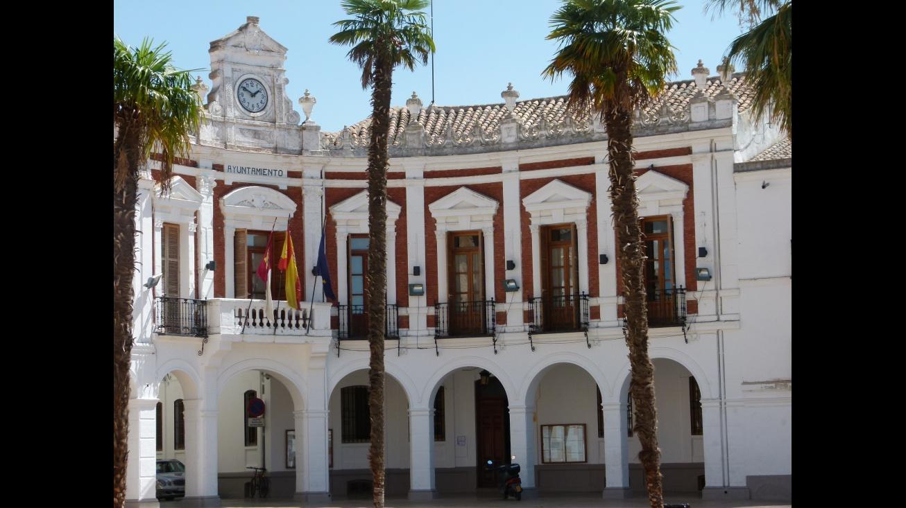 A las 12 en la puerta del Ayuntamiento concentración para expresar la condena por el atentado en Barcelona