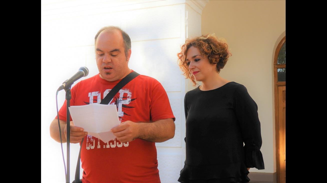 Beatriz Labián y Ramón Ramírez en la lectura del manifiesto de las I Jornadas Socio Sanitarias de Salud Mental