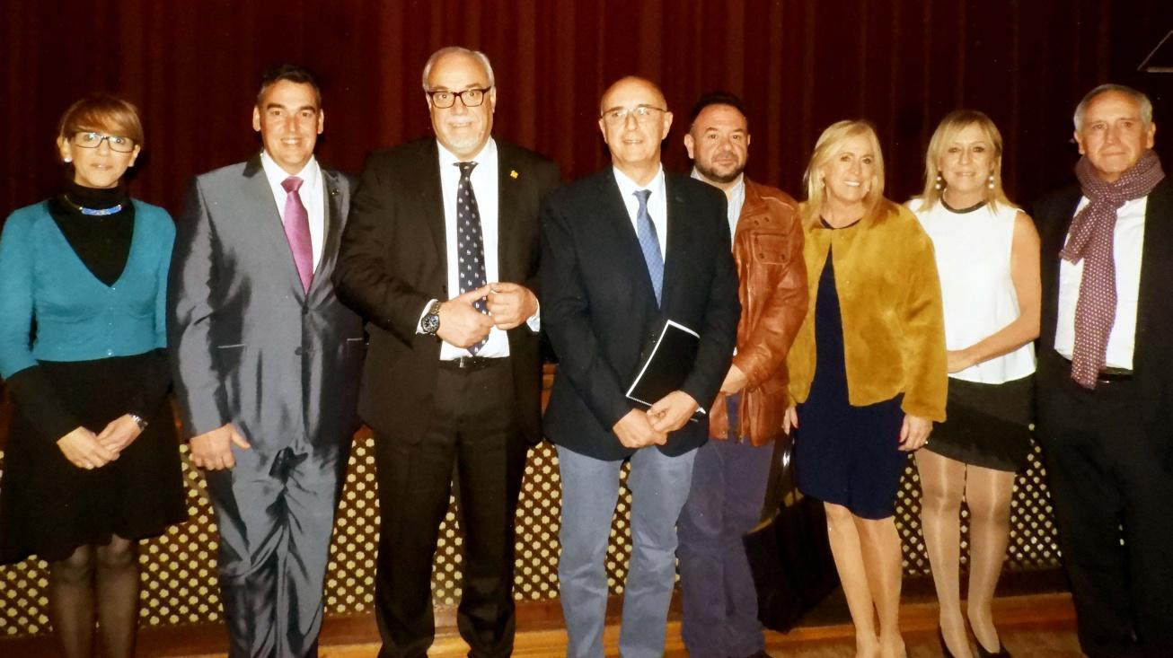 Foto de grupo, tras el homenaje