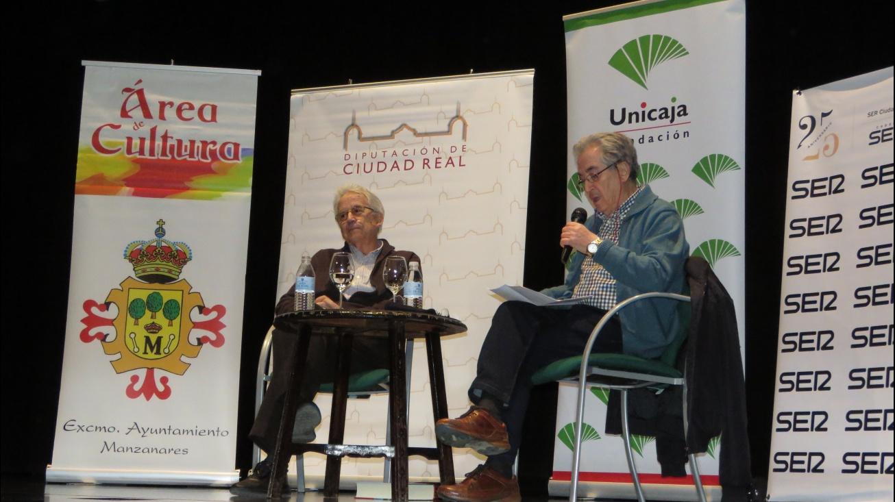 Juliá fue presentado por Román Orozco
