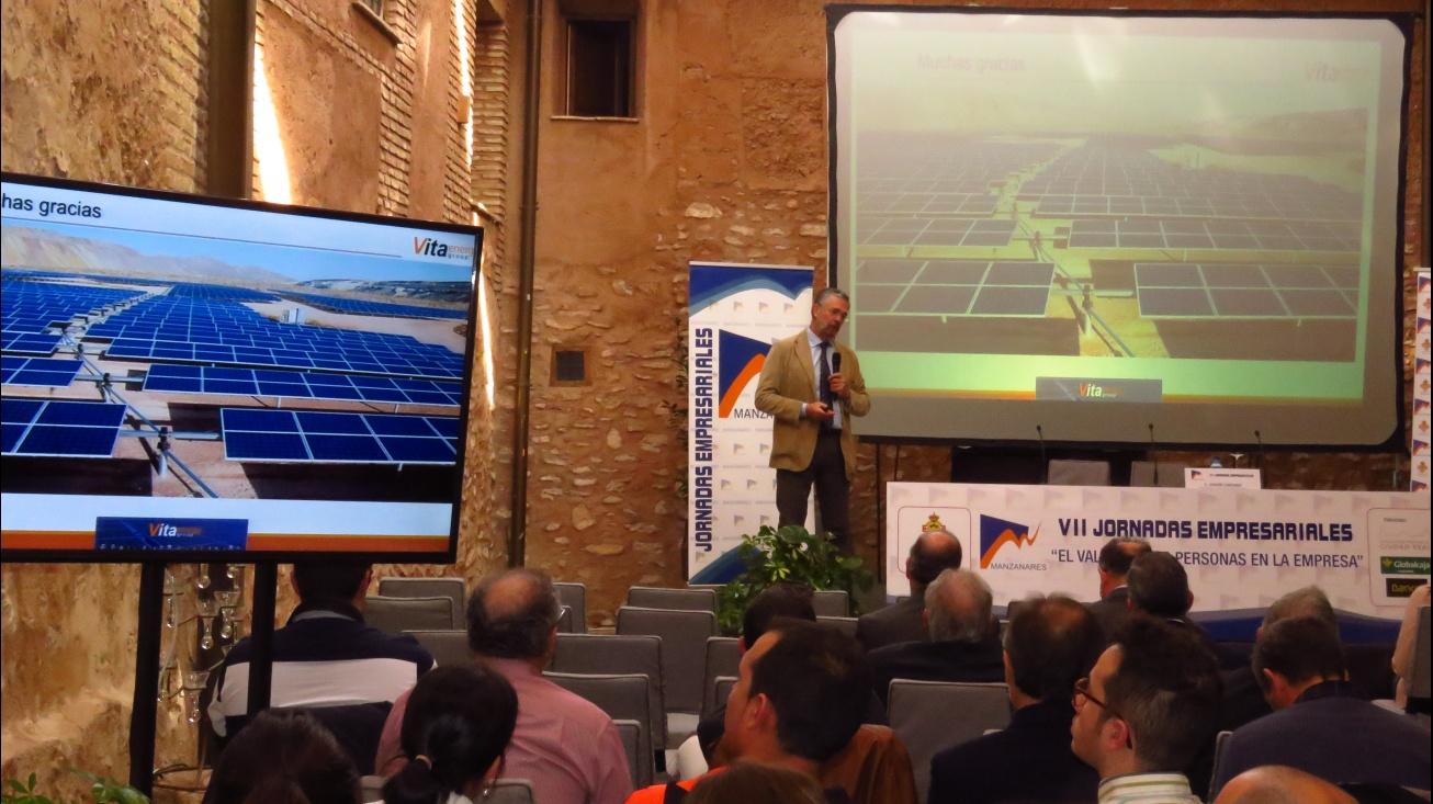 Joaquín Corchado presentó los proyectos de plantas fotovoltaicas de Manzanares