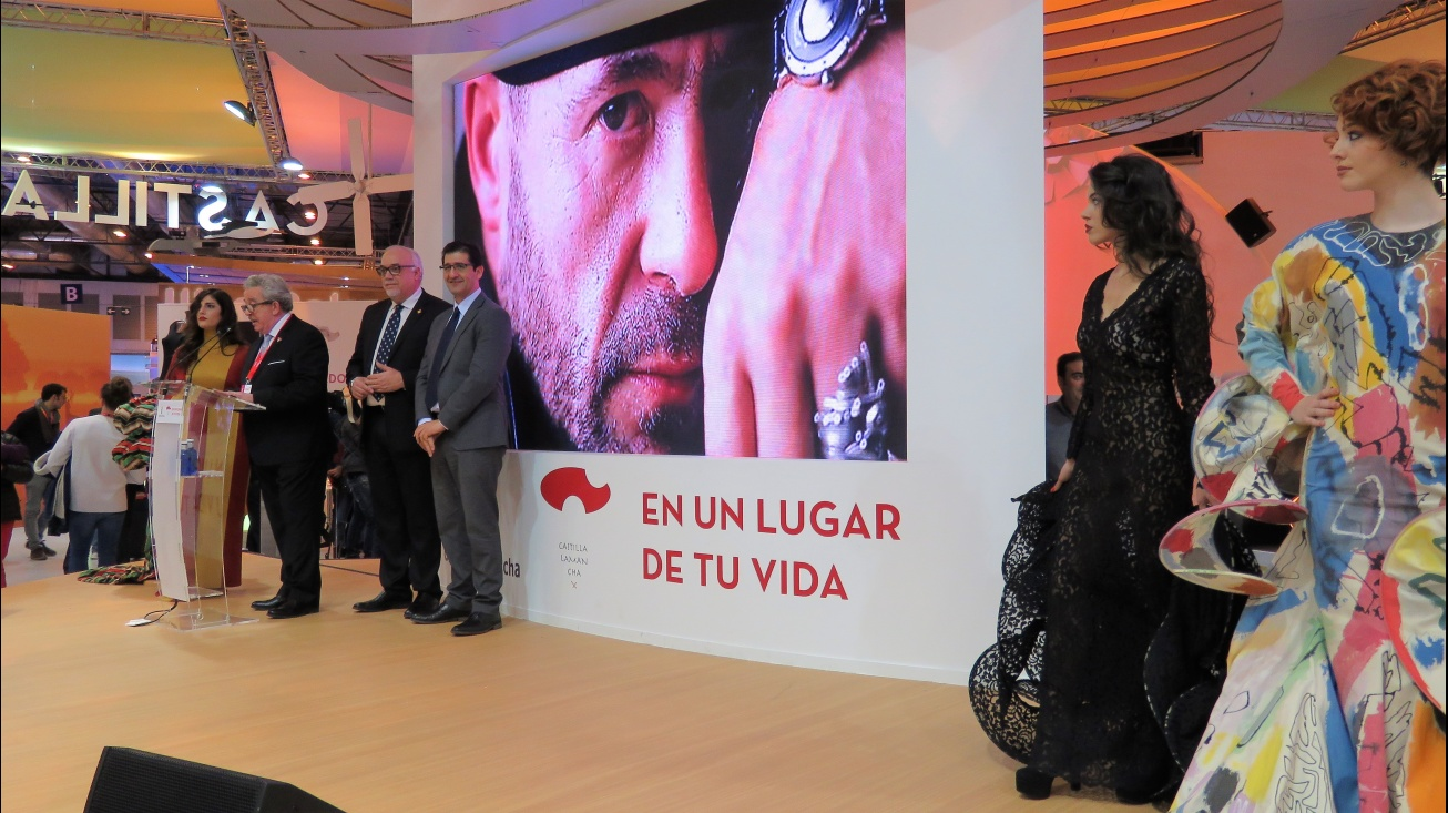 El presidente de la Diputación asistió a la presentación de Manzanares en Fitur