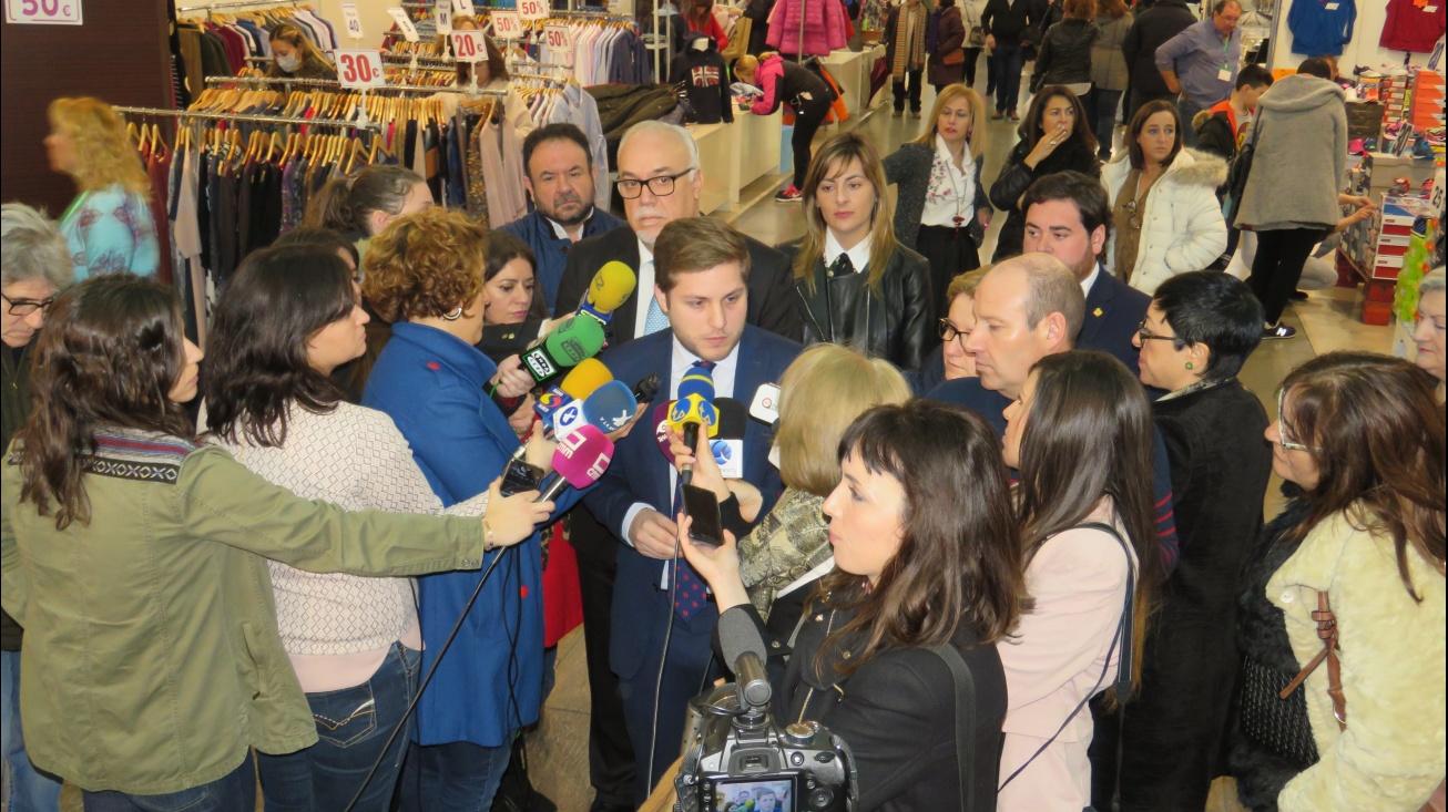 Nacho Hernando ha anunciado la cesión de los silos al Ayuntamiento de Manzanares