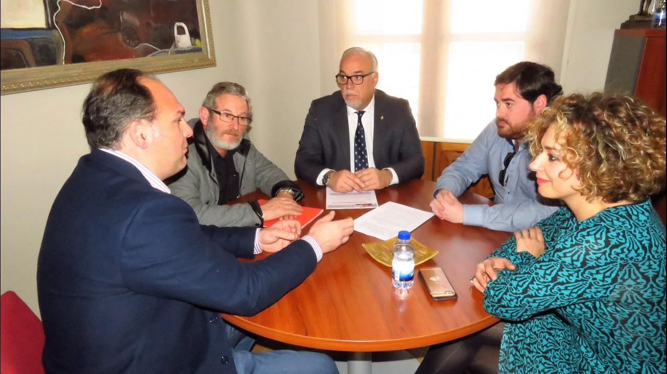Reunión con los secretarios provinciales de CCOO y UGT