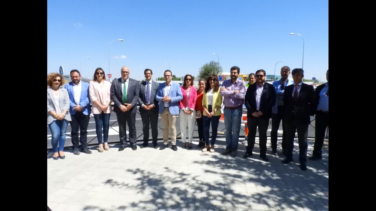 Inaugurado el acceso al nuevo colegio Divina Pastora