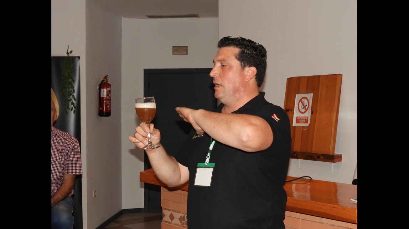 Cata de cerveza artesana durante Fercam