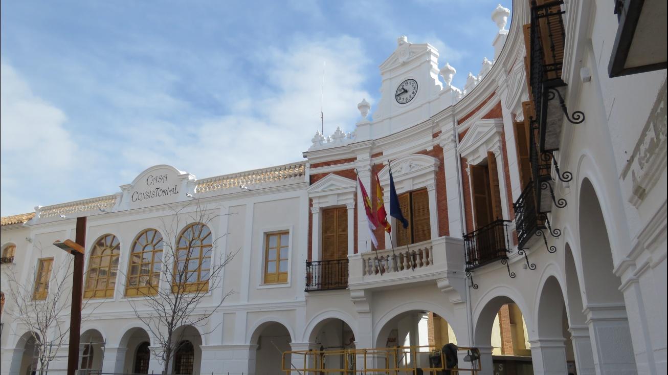 Fachada del Ayuntamiento de Manzanares