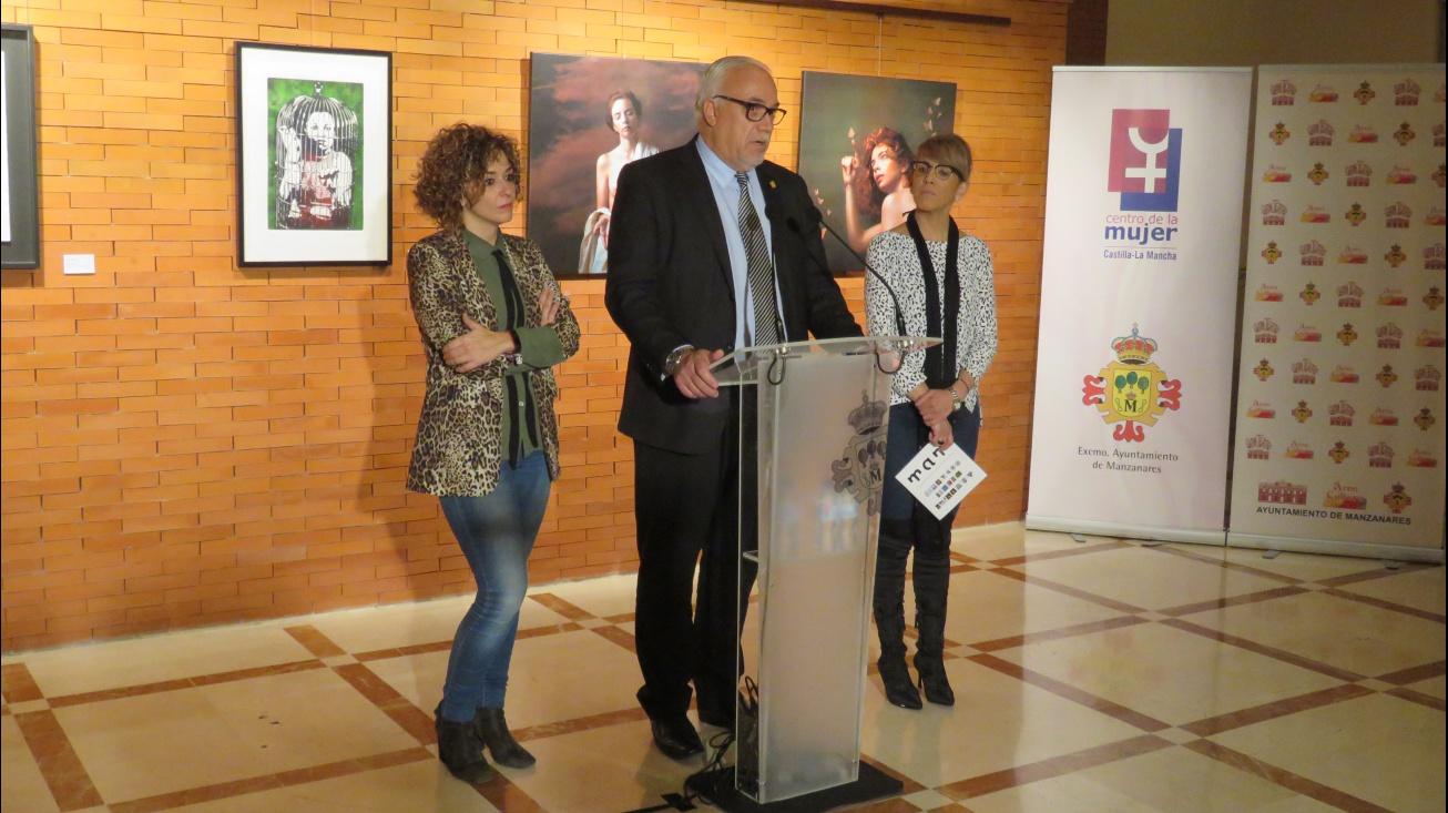 Inauguración de la III Muestra de Mujeres Artistas en Manzanares