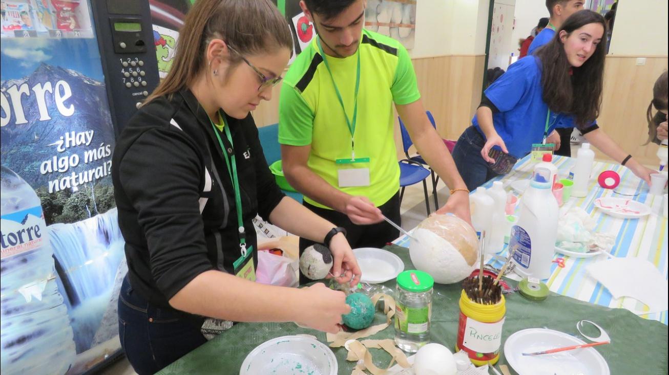 Actividades creativas en la Casa de la Juventud