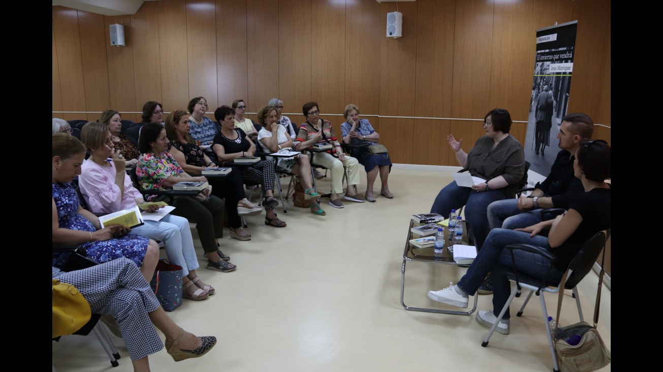 Encuentro literario del club de lectura con Jesús Manrique