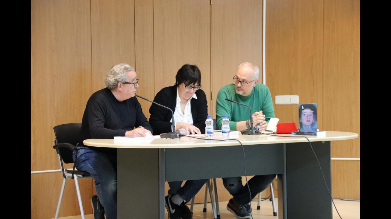 Presentación del libro 'Canciones de cuna y de rabia' de Juan Miguel Contreras