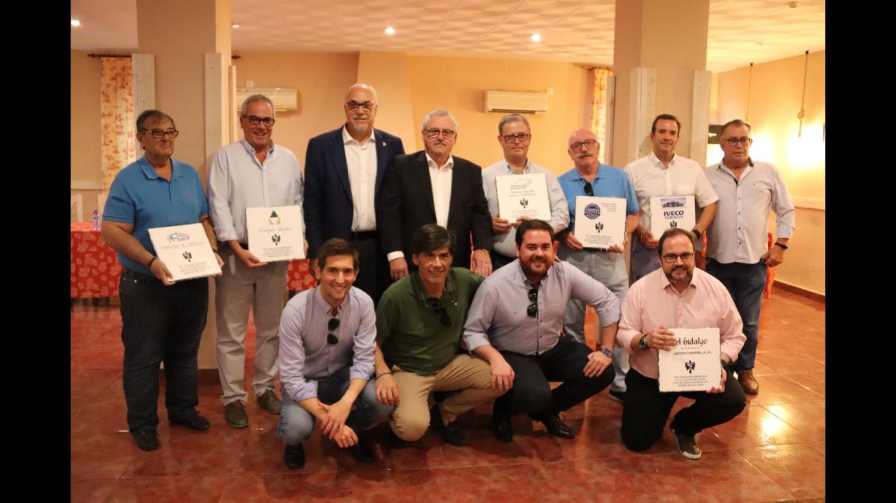 Reconocimiento a patrocinadores del Manzanares CF