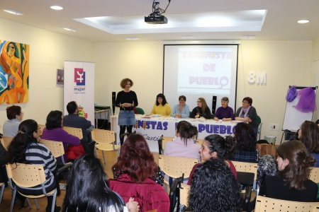 Beatriz Labián dio la bienvenida a la nueva asociación feminista
