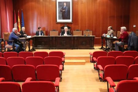 Encuentro entre el alcalde y representantes de AEMPOMAN