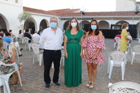 Candi Sevilla junto a África Crespo y a Prado Zúñiga antes de la presentación del libro