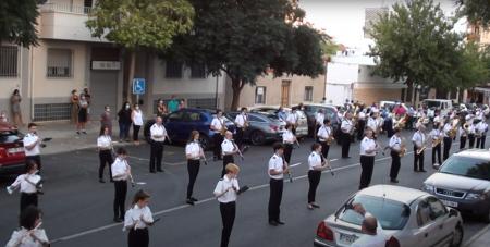 Fotograma del vídeo de la AMC 'Julián Sánchez-Maroto' delante del hospital 'Virgen de Altagracia'