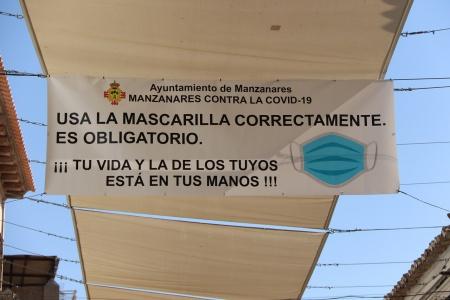 Pancarta 'Manzanares contra la COVID-19'
