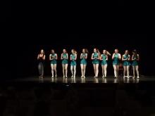 Alumnas de danza clásica que actuaron en la inauguración