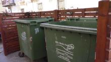 Contenedores de basura sin tapa