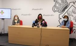 Díaz-Benito explicó las medidas en rueda de prensa junto a las floristas manzanareñas