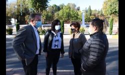 Visita de Juan López de Pablo y Gemma de la Fuente a la avenida del Parque por la instalación de nuevos radares
