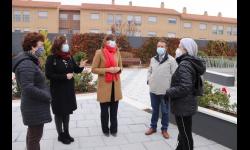 Momento de la visita en la plaza de la calle Cuenca